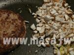 加切碎的蘑菇